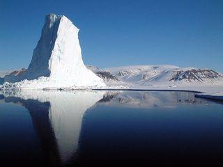 1024px-Iceberg_at_Baffin_Bay