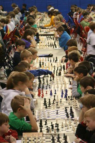 640px-Kids_chess_tournament
