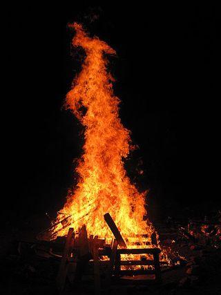 450px-Lag_BaOmer_bonfire
