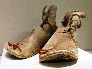 Oxhide_boots._Loulan,_Xinjiang._Early_Han_220_BCE_-_8_CE