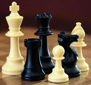 800px-ChessSet